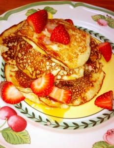pancake w strawberries