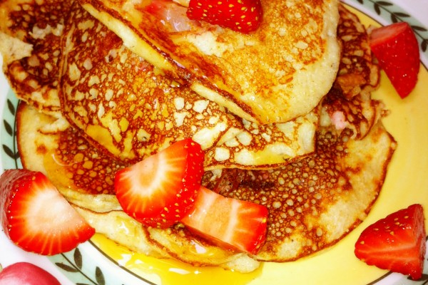 pancake w strawberries